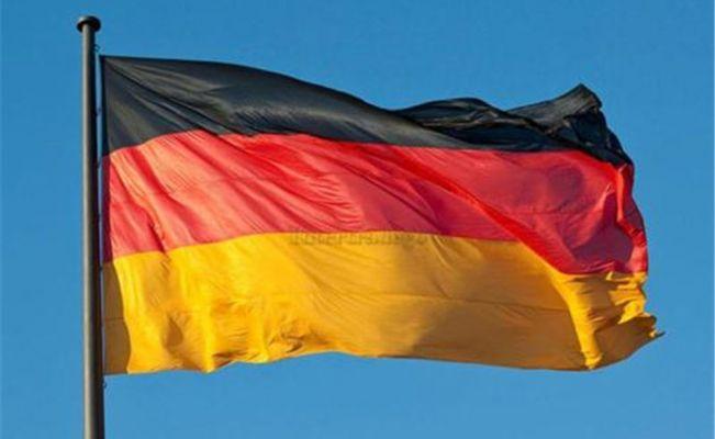 Almanya'ya 136 Türk diplomat iltica talebinde bulundu