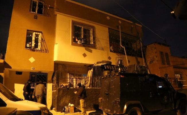 Adana'da terör operasyonunda 26 kişiye gözaltı