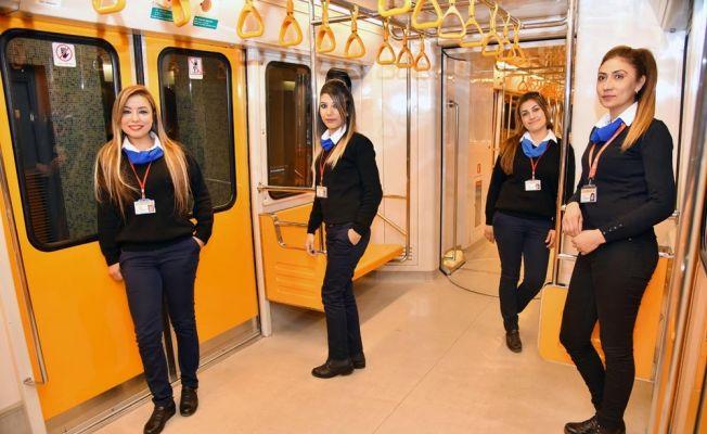 Adana'da dev tramvaylara kadınlar hükmediyor