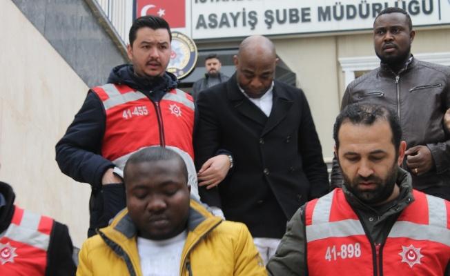 Türk iş adamını 230 bin TL dolandırdılar
