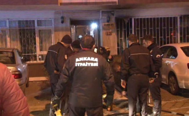 Alevlerin arasında kalan kadını komşuları kurtardı