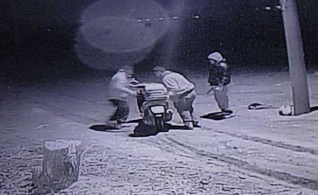 15 evi bir gecede soyan hırsızlar yakalandı