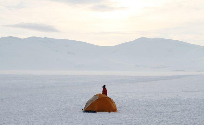 Çıldır Gölü'ne çadır kurdular