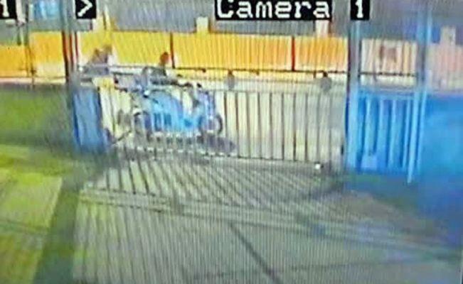 Ayazağa'da park halindeki motosikleti çaldılar