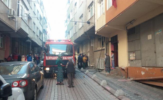 Zeytinburnu'nda çıkan yangında 1 kişi öldü