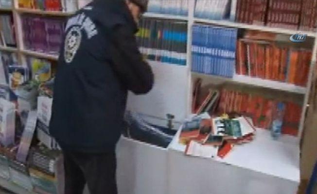 Kadıköy'de korsan kitap operasyonu
