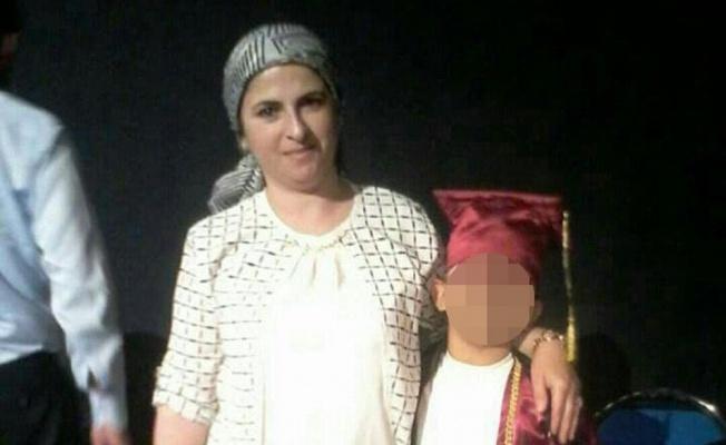 Kadını vahşice öldürüp engelli oğlunu darp ettiler
