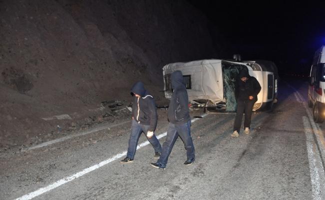 Çanakkale Ayvacık'ta minibüs devrildi