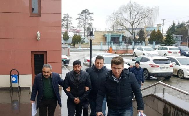 Dolandırıcı 171 bin dolarla Düzce'de yakalandı