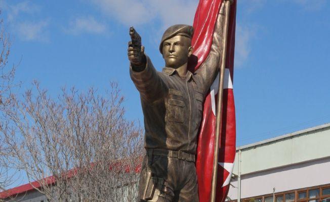 Halisdemir'in heykeli memleketi Niğde'ye dikildi