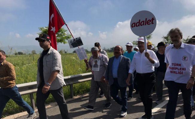 Adalet Yürüyüşü'ne köşe yazarlarından destek