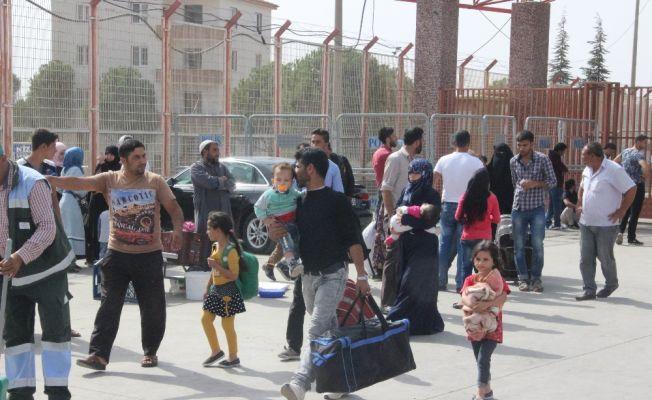 Suriye'ye giden 34 bin kişi Türkiye'ye geri döndü