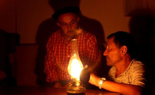 Yayla davaları nedeniyle elektriğe hasret kaldılar