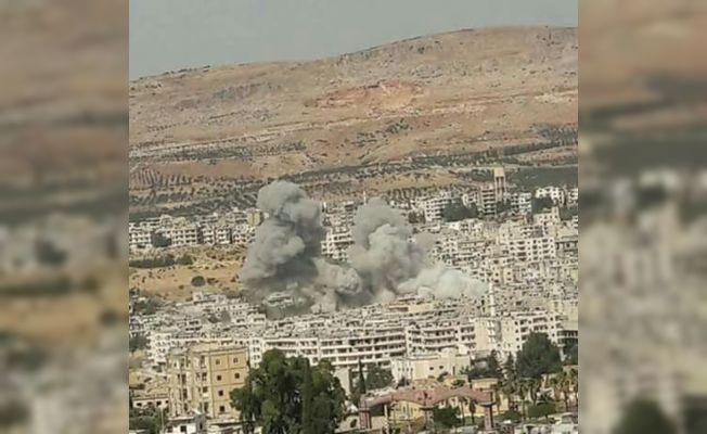 Esad rejimi ve Rusya İdlib'i bombaladı: 17 ölü