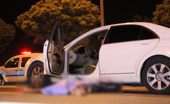 İki aracın çarptığı kişi feci şekilde can verdi