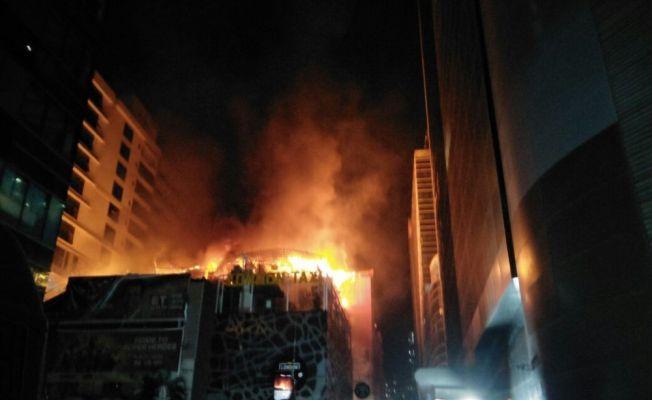 Hindistan Bombay'da yangın: 12 ölü