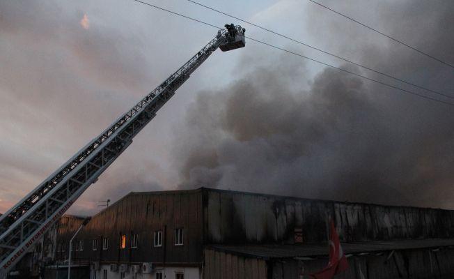 Kocaeli İzmit'te ambalaj fabrikasında yangın