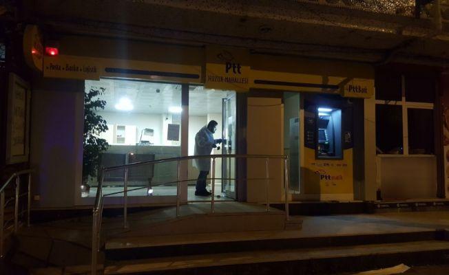 İstanbul'da PTT'deki bozuk para kasasını çaldılar