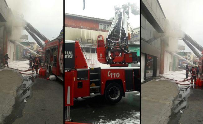 Zeytinburnu'ndaki Demirciler Sanayi Sitesi'nde yangın çıktı