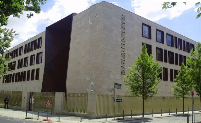 Almanya'da Türk Büyükelçiliğine alçak saldırı
