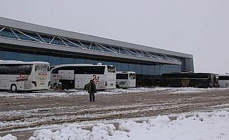 Sivas'ta kar yağışı hayatı felç etti