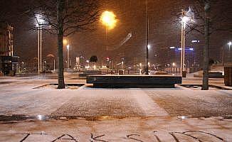 İstanbullular güne beyaz örtü ile uyandı