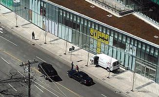 Toronto'da bir kamyonet yayaların arasına daldı