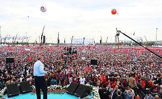 AK Parti'nin İstanbul mitingine kaç kişi katıldı ?