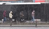Kar yağışı İstanbul'da etkisini artırdı