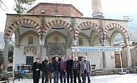 Cemaat 448 yıllık camiye girmeye korkuyor