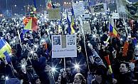 Romanya'da hükümet karşıtı gösteriler sürüyor
