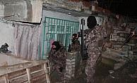 Başakşehir'de zehir tacirlerine operasyon
