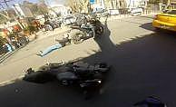 Beşiktaş'ta iki motosikletli böyle çarpıştı