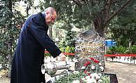 Erdoğan Alparslan Türkeş'in mezarını ziyaret etti