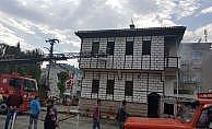 Elektrik dağıtım binasını ateşe verdi