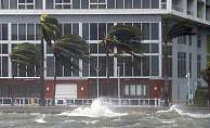 Florida'da 4 milyon ev ve iş yeri elektriksiz kaldı