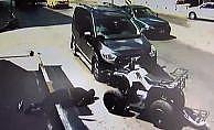Otomobilin çarptığı ATV sürücüsü havaya uçtu