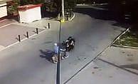 İki motosiklet kafa kafaya böyle çarpıştı