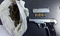 Isparta'da araçtan silah ve uyuşturucu çıktı: 2 gözaltı