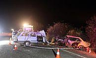 Denizli'de iki otomobil çarpıştı: 4 ölü, 4 yaralı