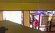 Kağıthane'de marketten sigara çaldılar