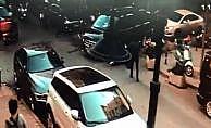 Lüks minibüs Nişantaşı'nda kadına çarptı