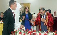 Bismil ilçesinde bir müftü resmi nikah kıydı