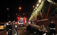 Kadıköy'de üst yoldan E-5'e uçan sürücü öldü