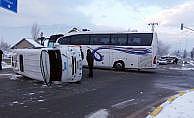 Konya'da öğrenci servisi ile yolcu otobüsü çarpıştı: 18 yaralı