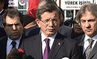 """Davutoğlu: """"Mehmetçiğimizin arkasında omuz omuza vermek lazım"""""""