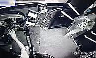 Otobüs şoförü yolcunun çantasını hırsızlardan kurtardı