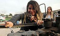 23 kadın traktör kursuna katıldı